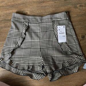 High waisted ruffle short Zara